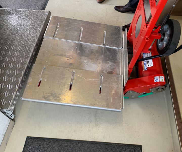 電動階段運搬台車オプション