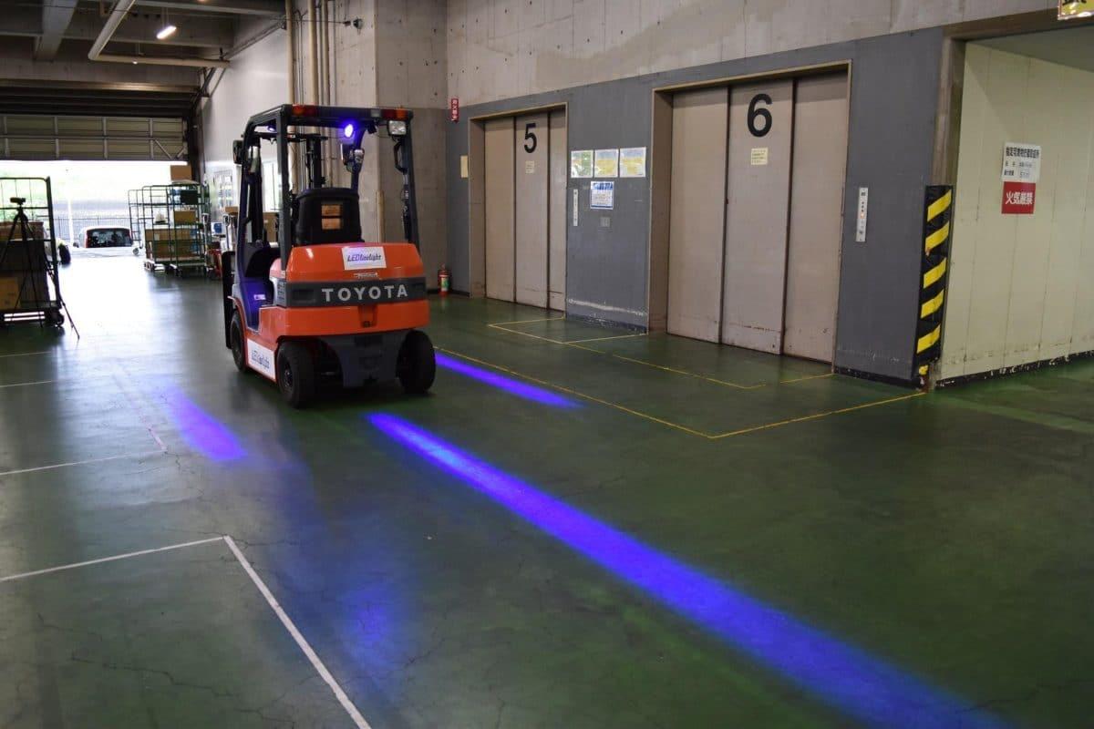 LEDライト青